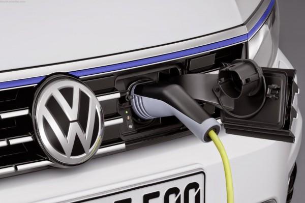 Volkswagen-Passat-GTE-2015-oef-007