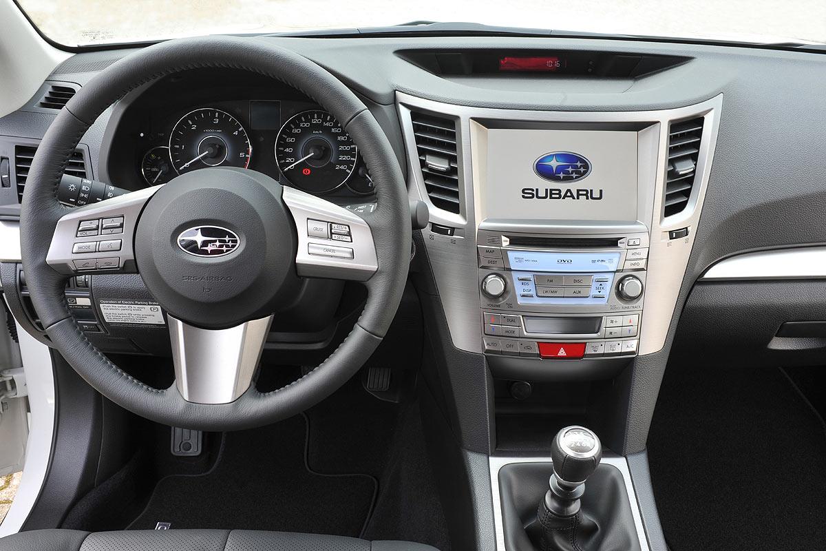 Interior subaru recarga coches electricos for Subaru interieur