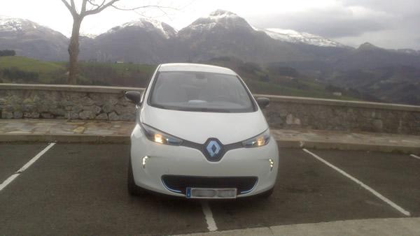 """""""Me preocupo por la conservación del planeta y aunque no soy un activista ecológico, pensé que era una buena idea tener un coche eléctrico"""""""
