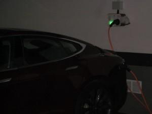 Tesla cargando
