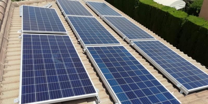 Caso Práctico: Instalación de un punto de Carga para coche eléctrico con una instalación solar de autoconsumo