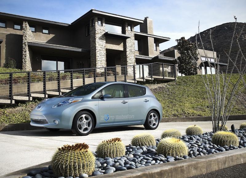 el coche eléctrico más vendido de la historia es el NISSAN LEAF
