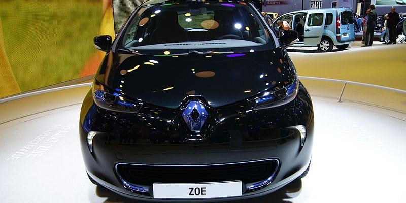 """Renault """"la estropea"""" en su política de puntos de recarga para sus coches eléctricos"""