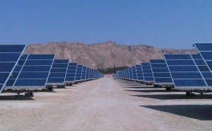 Paneles solares en el desierto de Israel