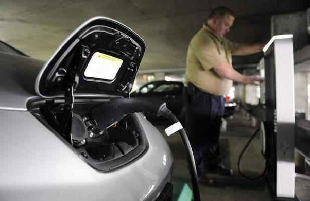 Cargar tu vehículo eléctrico es un juego en Italia