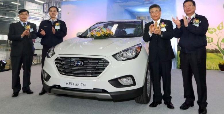 Hyundai ix35 Fuel Cell (impulsado por hidrógeno)
