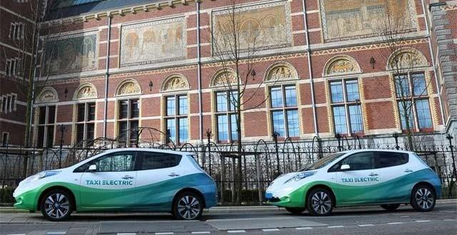 La compañía holandesa Taxi Electric celebra su tercer aniversario con 1.500.000 kilómetros recorridos por sus 25 Nissan Leaf