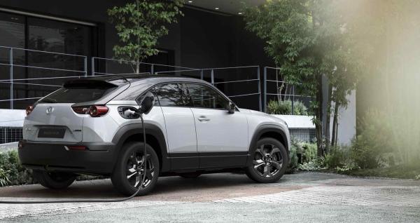 Mazda MX-30 Exterior: puertas y diseño innovador