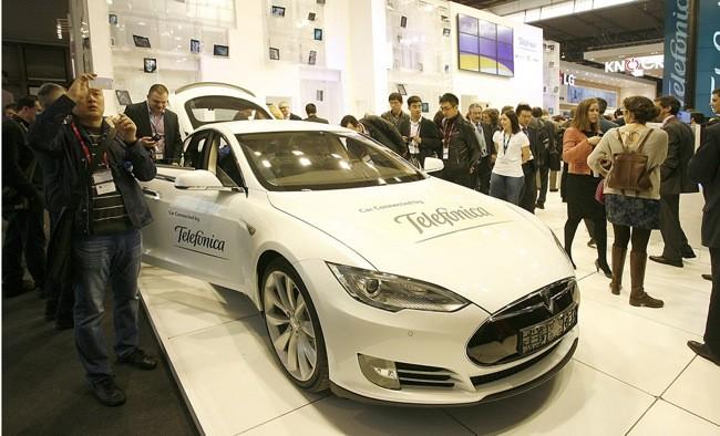 Telefónica proveerá de conexión móvil a los vehículos eléctricos de Tesla